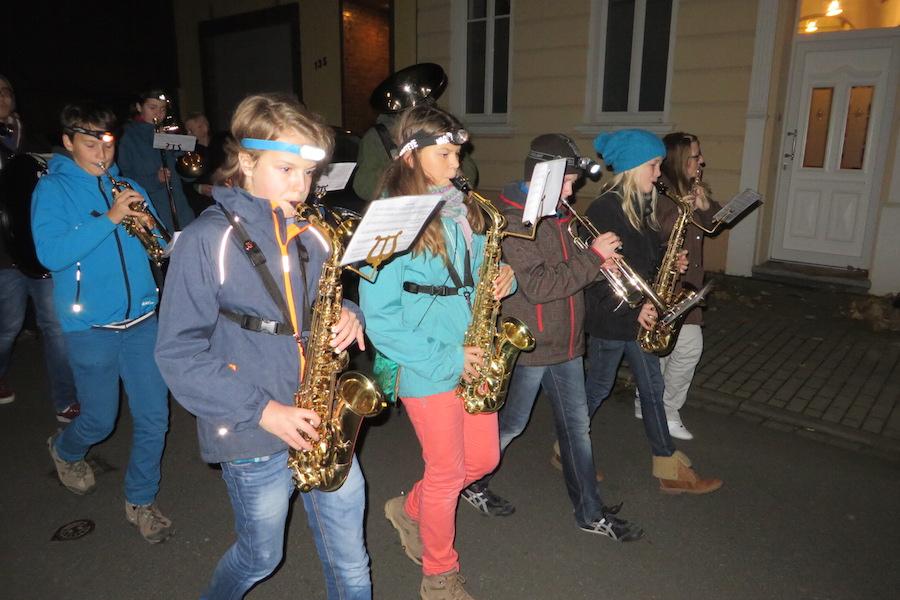 Doe Saxophongruppe einer Kapelle in Kessenich. Foto: Friedhelm Gördes@2014