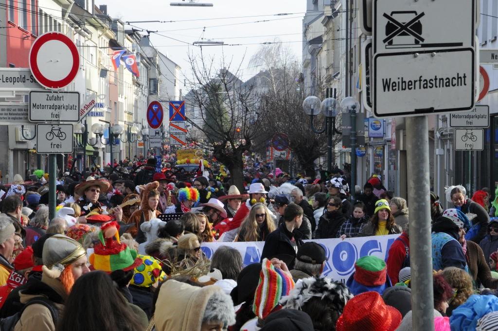 Hier steppt der Bär - die Obere Wilhelmstraße im Ausnahmezustand. Foto: gonpix @ 2015