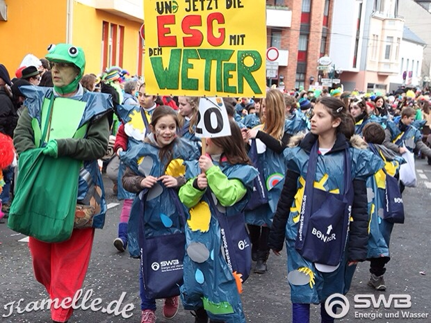 Die Jesampschull als Wetter, die Lehrer als dazugehörige Frösche. Foto: kamelle.de (Malsch)