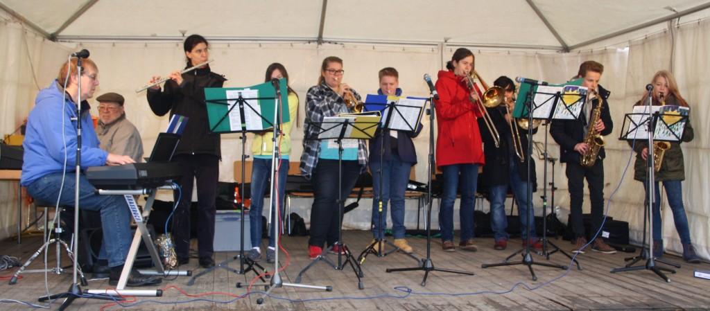 Bläseremsemble mit Klavier/Orgel - der Klassiker auf den Weihnachtsmärkten