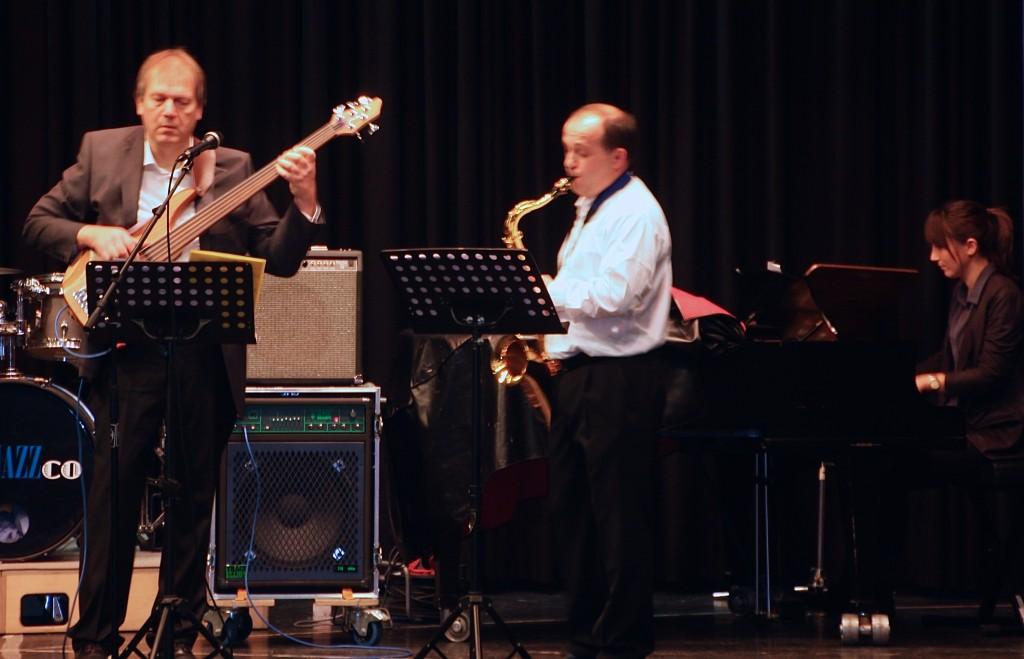 Das Lehrer-Trio: Martin Schlu, Ole Ryyddun und Julia Dams (von links) Foto: Orchester